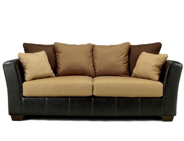 Ashley Furniture – Signature Design – Lawson Saddle Living